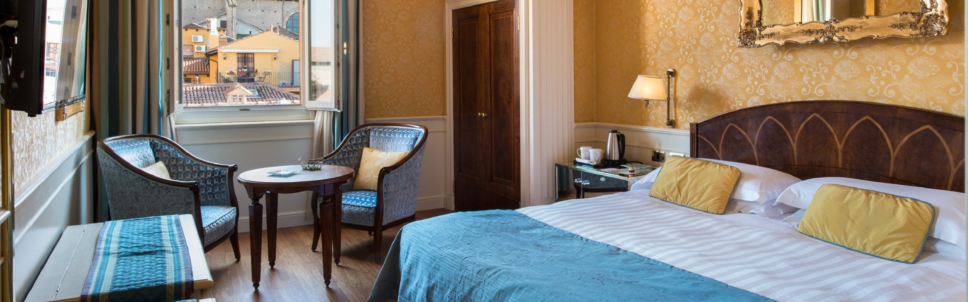 Experience the charm  art hotel orologio bologna