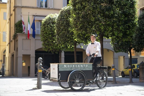 Free bicycle rental  art hotel orologio bologna